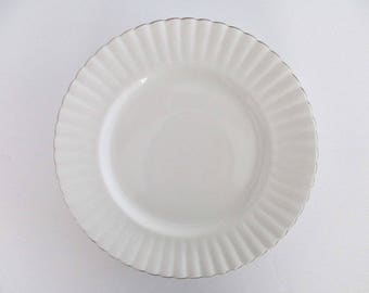 Set of 6, Royal Albert England Chantilly Bone China Dinner Plates, Vintage Tableware