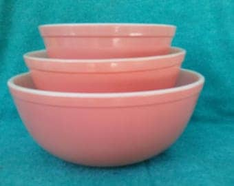 Pyrex Glass Mixing Bowl Set Round Pink 3 Largest Pieces: 402, 403 & 404