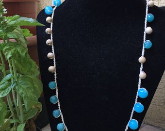 Long necklace with gemstone blue