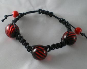 Bra009 - Black shamballa Bracelet and red and black beads