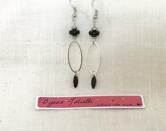 Long earrings, jade bead and Black colored shuttle