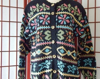 Patterned Cardigan Sweater Vintage Medium Striped USA Made Buttoned (R8-84)