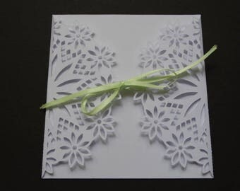 Wedding invitation - lace flower theme