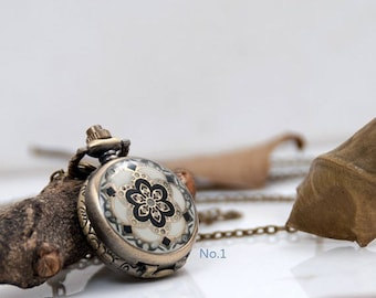 1 Piece Enamel Pocket Watch / Flower Necklace Watch/ Watch Size- 27mm (1.06 inch)/ Chain Length- 80cm (0.87 yard)