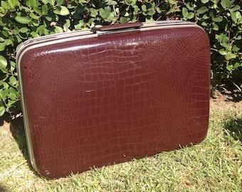 Vintage Samsonite brown faux gator suitcase