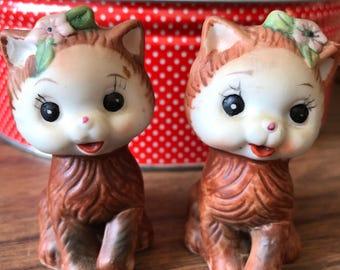 Cute little kitty salt & pepper shakers