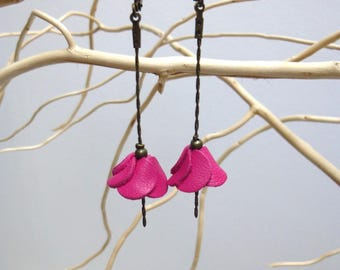 Earrings dangling Fuchsia leather flower