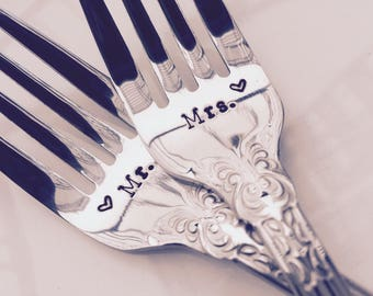 Mr.and Mrs. wedding forks - new forks – wedding cake fork, wedding gift, engagement gift, bridal shower gift