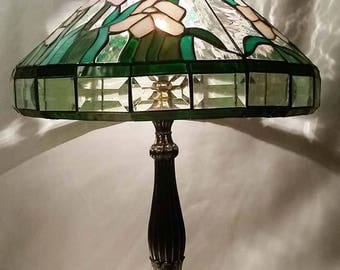 Stunning Tiffany Style Table Lamp Slag Stained Glass