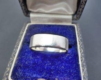 A superb vintage silver band ring - 925 - sterling silver - UK N - US 6.75