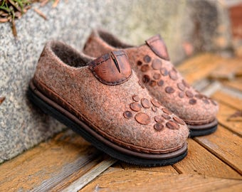 Outdoor women loafers-handmade felted shoes-warm eco women shoes-boiled wool shoes,women wool shoes with rubber sole,felted clogs,wool mules
