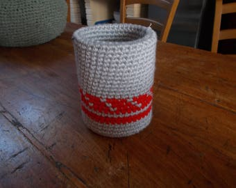 Jar covered with crocheted cotton gray and Red
