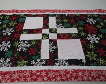 Christmas Table Runner, Patchwork Christmas Table Runner, Snowflake Table Runner