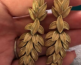 Vintage Trifari Cascading Leaves gold tone Earrings