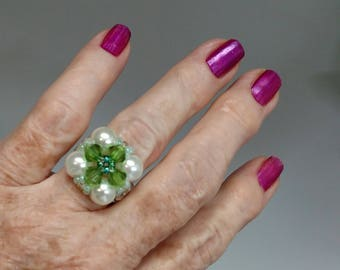 Large Pearl Green Ring
