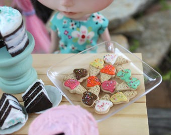 Sugar Cookies Ice Cream Cone Shapes Frosted with Sprinkles for Blythe Barbie Playscale 1/6 Scale