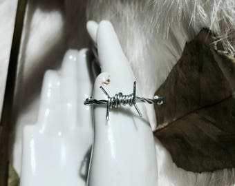 Dainty Barbed Wire Ring, adjustable, silver