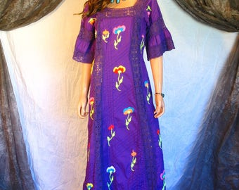 Vintage 1970s Purple Embroidered Mexican Dress Lace Trim Festival Dress Flared Sleeves Hippie Boho Chic M/L