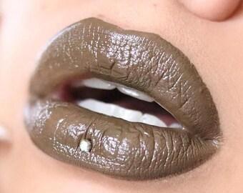 Vegan Lip Gloss : ZORADA Lip Catnip. Green lip gloss. Natural lip gloss. Longwear lip gloss. Natural Makeup. Cruelty Free. Nicolet Beauty.
