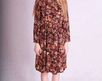 Unique beautiful vintage dress with floral patterns allover // 80s crazy pattern dress // golden ornamented button fastening