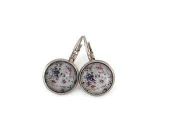 Sleepers cabochons - stem stainless steel - glass 12 mm - grey earring - flowers - hypoallergenic / Flowers earrings