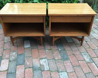 Mid Century Modern Nightstand Pair, Heywood Wakefield Nightstands, Mid Century Bed Side Tables, Nightstand with Drawer, Teak Nightstand