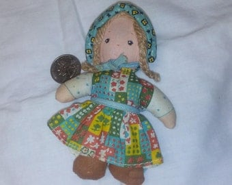 "MINIATURE HOLLY HOBBIE Doll, 4.5"", 1970s, Vintage collectible, Rag doll, Cloth Doll"