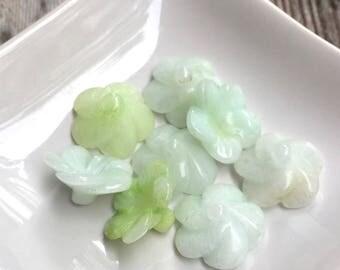 8 Jade Flower Beads, 19 mm