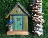 Meadow Green  Fairy Door with Button Medallion and Bronze Bumblebee