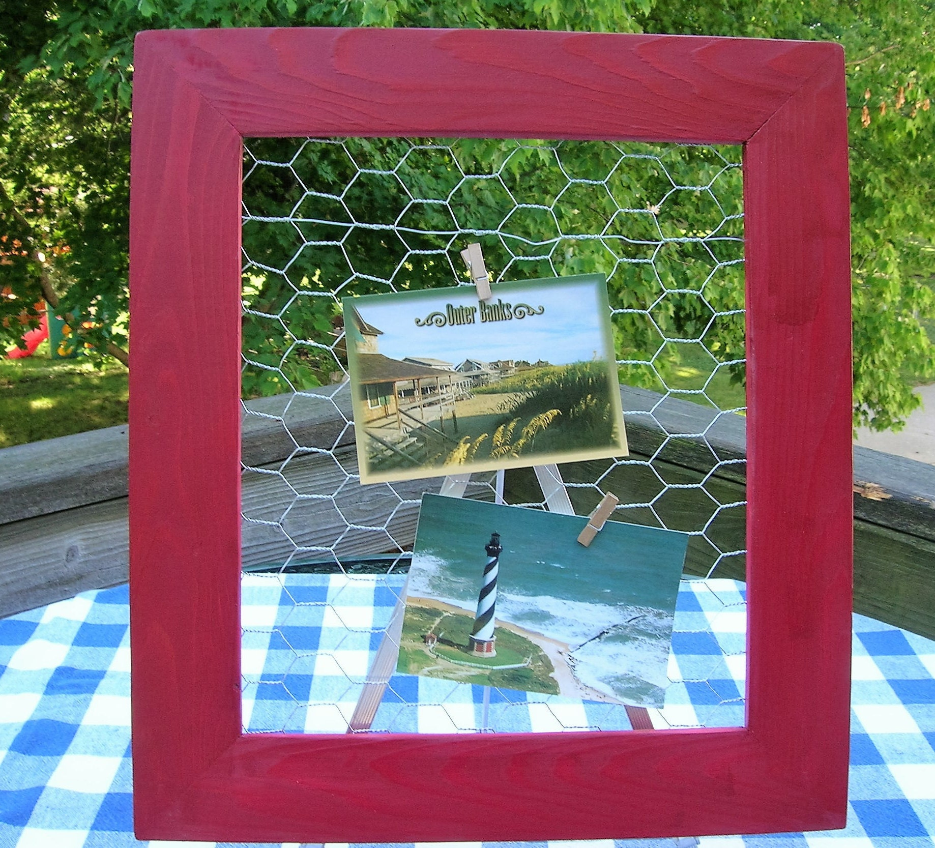 Make Your Own Jewellery Display Board: Chicken Wire Frame Red Jewelry Organizer Bulletin Board