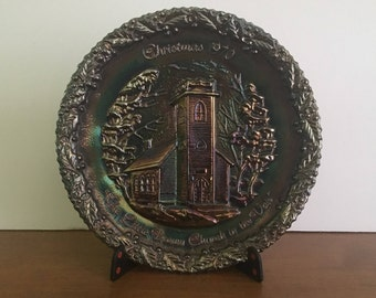 Vintage Fenton, Christmas in America, Fenton Plate, 1970, Carnival Glass, The LIttle Brown Church in The Vale
