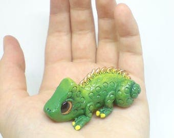 OOAK Chameleon figurine, Polymer clay Chameleon, Clay Lizard, Cute Chameleon, Chameleon sculpture, Chameleon figurine