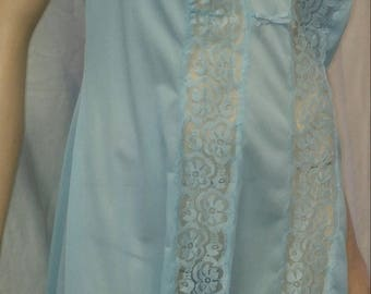 Vintage 1980s blue synthetic full slip with lace front and bow size Medium