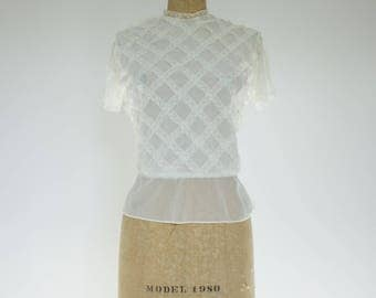 Vintage 1950s little sheer blouse with beautiful lace details