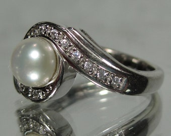 Vintage Sterling Silver Pearl Gemstone Ring Sz 5 M228
