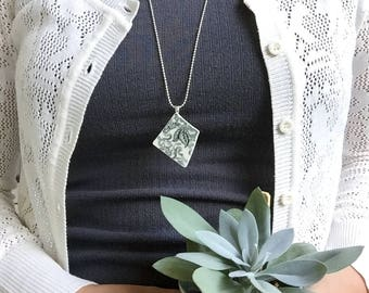 necklace, black and white, gift girlfriend, dark green jewelry, sustainable fashion, floral pattern