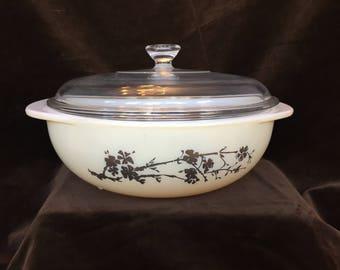 Vintage Pyrex 024 Golden Branch Hospitality casserole 2 quarts