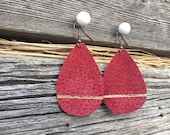 Red Jewelry Wife. Leather Teardrops Red Small. Upcycled leather handmade earrings. Suede earrings. Recycled leather. Gift for Wife.