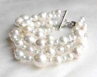 "Pearl bracelet ""Clouds"""