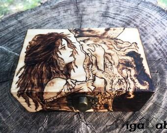 Davy Jones and Calypso Wooden Box - Pirates of the Caribbean P