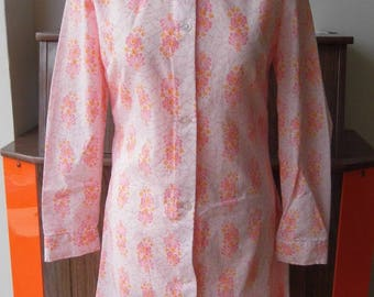 1970s big collar button front dress with long sleeves, size 12