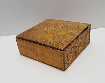 Antique Wood Dovetailed Dresser Box Pyrography Burnt Wood