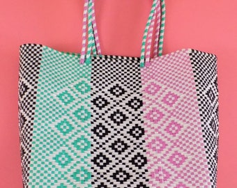 Handmade plastic bag, Beach Bag, Summer bag, Plastic tote, Oaxacan tote style, Mexican tote style.