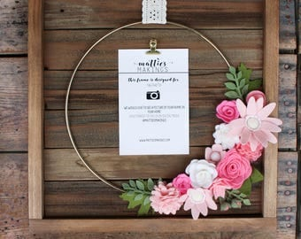 """Medium Felt Flower Picture Frame (13"""" overall), Floral Wall Decor, Floral Art, Modern Wreath, Gold Ring, Nursery Decor, 4x6 picture frame"""