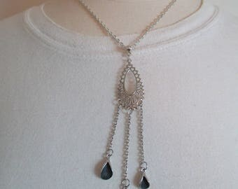 pendant necklace silver metal and resin