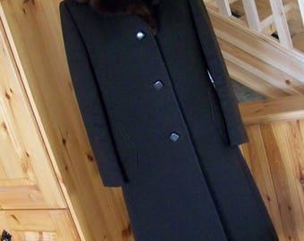 Vintage ORIGINAL Coat 1960s does 1940s WW2 style, Brown fur collar
