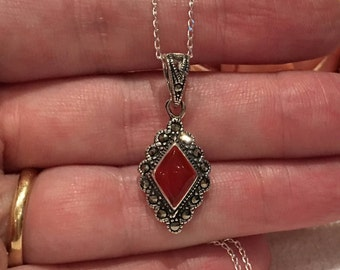 Wonderful Vintage Sterling Silver Pendant-RED CARNELIAN Surrounded by Sparkling MARCASITE-On a 45cm (17.75 inch) Sterling Silver Chain