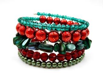 Christmas bracelet, memory wire bracelet, beaded wrap bracelet, Christmas charm bracelet, memory wire wrap bracelet, red and green bracelet