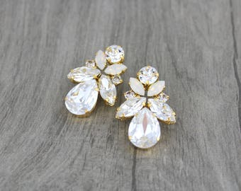 Gold Bridal earrings, Crystal Wedding earrings, Bridal jewelry, Swarovski earrings, Stud earrings, Crystal earrings, Vintage style Wedding