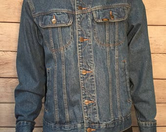 Beautiful Vintage Lee Denim Jean Jacket %100 Cotton